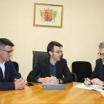 Ayuntamiento de Novelda visita-ayto-2-150x150 L'alcalde reclama la col·laboració de conselleria per a la ubicació d'una zona logística a Novelda