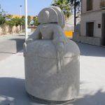 Ayuntamiento de Novelda 05-5-150x150 L'escultura d'una Menina de grans dimensions adorna ja  la futura Plaza Piedra Bateig en L'Estació